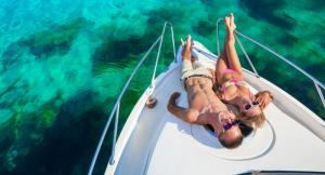 Make your love bond strong by using our Exclusive Yacht Rental Dubai services